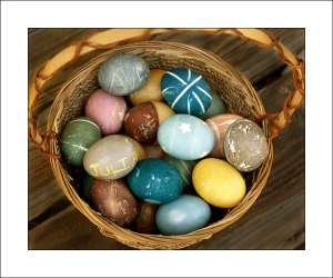 naturally-dyed-eggs
